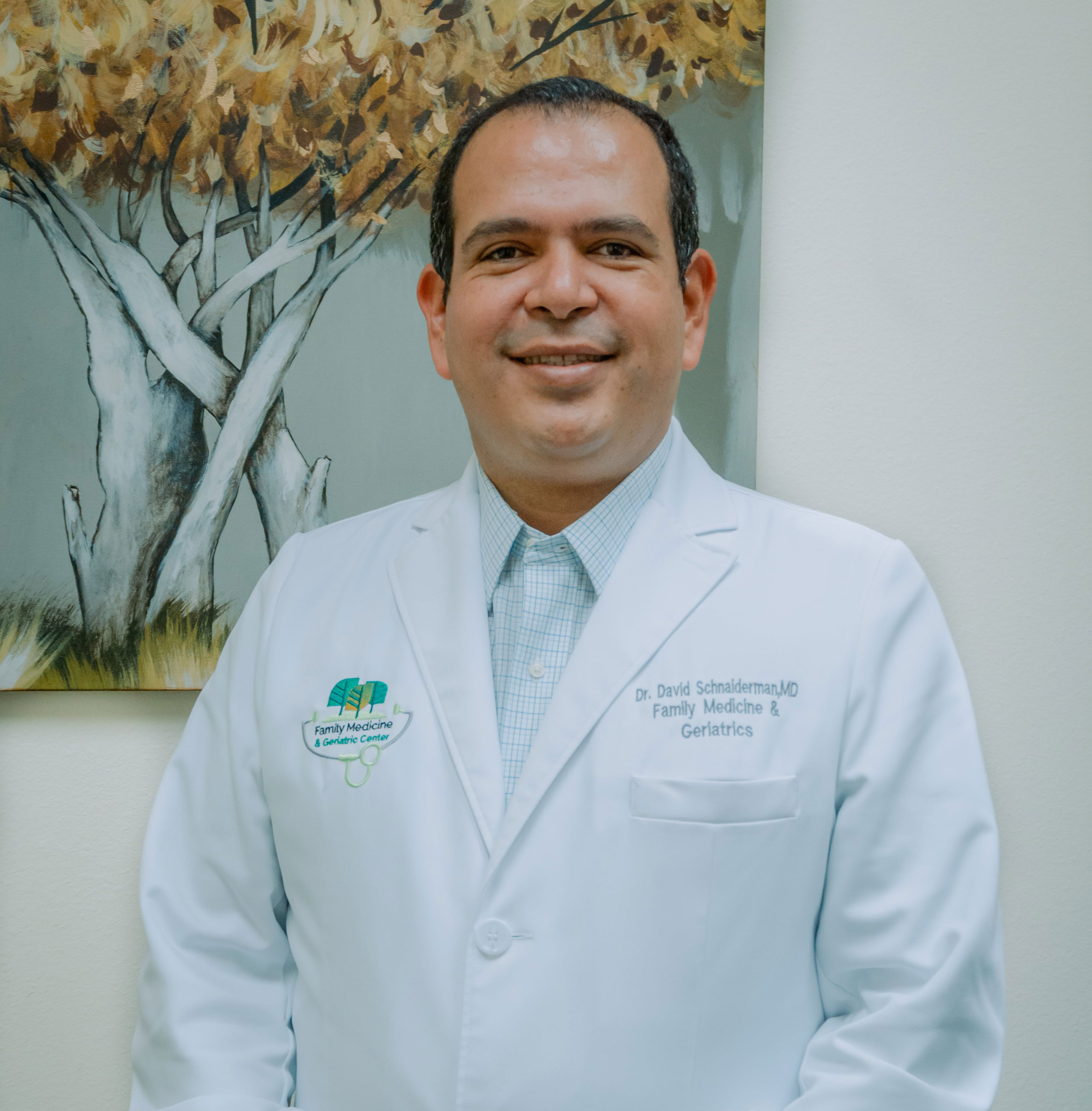 Dr. David Schnaiderman